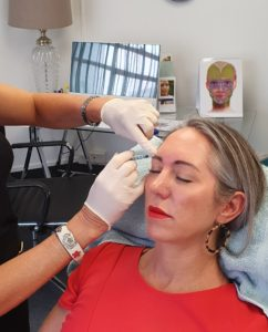 Anti-Wrinkle Injections vs Dermal Fillers: Comparing the two aesthetic treatments